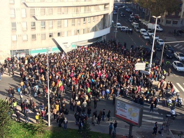 #LaPrecariteTue : Rassemblement devant le CROUS à Lyon, ce mardi 12 novembre