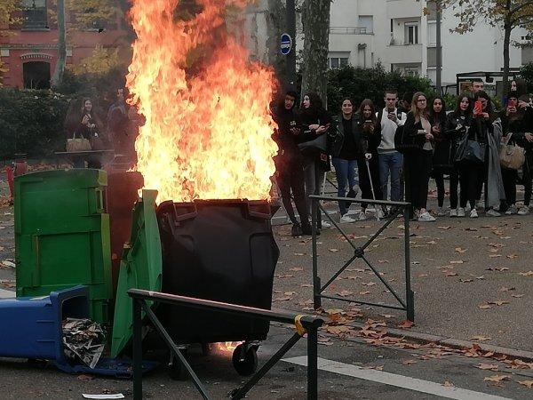 Toulouse : les lycéens de Raymond Naves rejoignent la mobilisation contre la réforme des retraites