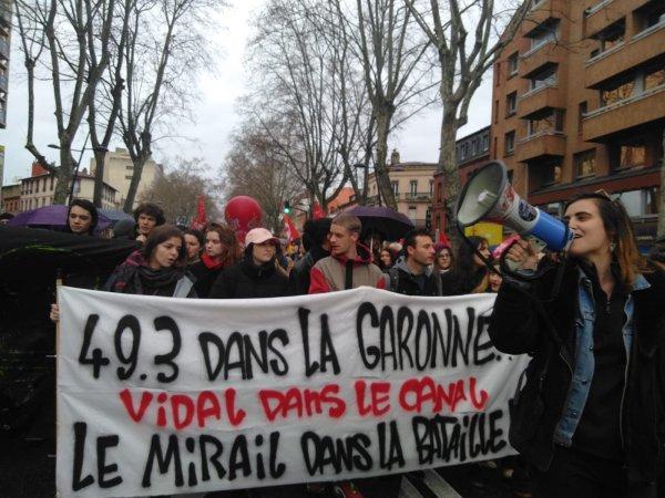 Journée facs mortes. Au Mirail, étudiants, précaires, titulaires ensemble dans la rue !