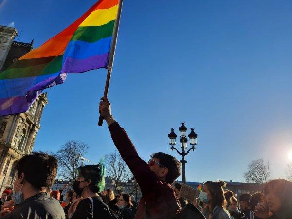 #MeTooGay : plusieurs centaines de personnes manifestent dans Paris