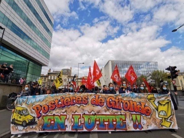 « Les conditions de travail sont dégueulasses » : les postiers mobilisés contre les attaques de La Poste