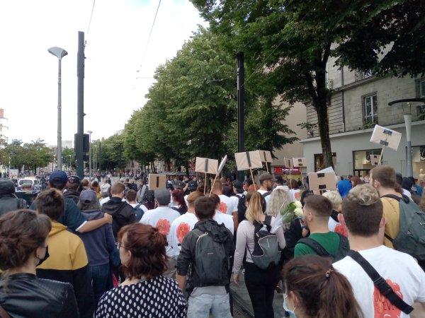 Répression. À Nantes, canons à eau et hélicoptère pour la manif hommage à Steve