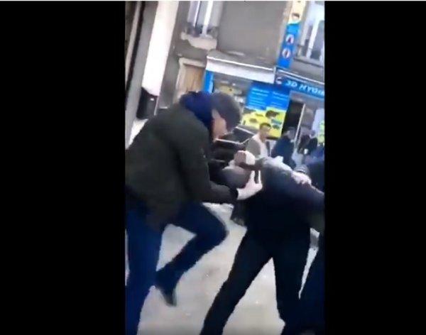 VIDEO. Montreuil : un policier de la BAC donne un coup de genou au visage à un homme menotté